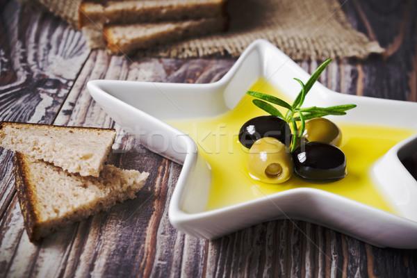 Zeytinyağı zeytin fincan tabağı biçim star seçici Stok fotoğraf © saharosa