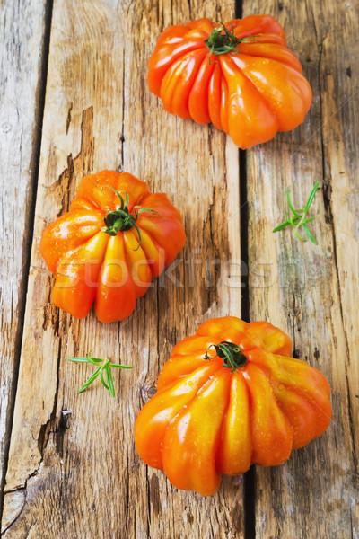 Tomates romarin vieux bois santé Photo stock © saharosa
