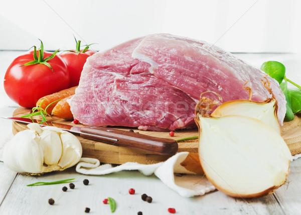 Сток-фото: сырой · мяса · большой · кусок · разделочная · доска · разнообразие