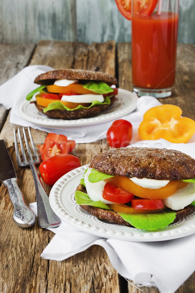 Semplice frazione alimentare panini mozzarella pomodori Foto d'archivio © saharosa