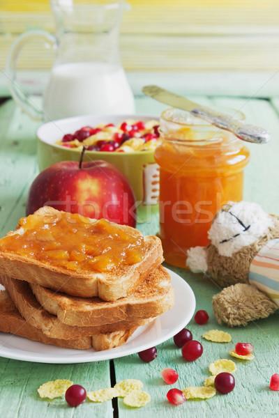 Nuttig kinderen ontbijt toast jam melk Stockfoto © saharosa