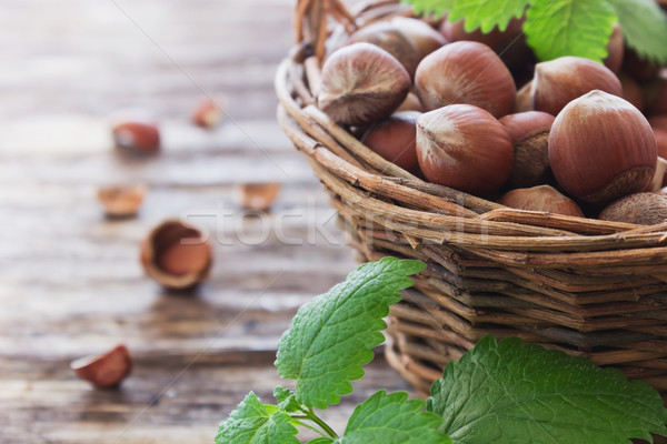 Hazelnoten mand oude houten voedsel hout Stockfoto © saharosa