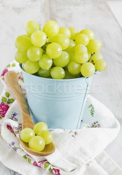 виноград ковша зрелый небольшой синий Focus Сток-фото © saharosa