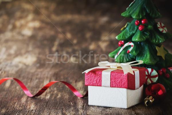 Karácsony csendélet ajándék doboz gyertya űrlap karácsonyfa Stock fotó © saharosa