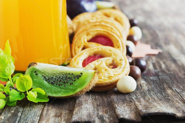 Dzsúz kekszek gyümölcs lekvár friss gyümölcs öreg Stock fotó © saharosa