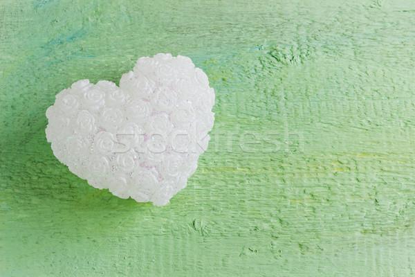 Beyaz dekoratif kalp yeşil ahşap tatil Stok fotoğraf © saharosa