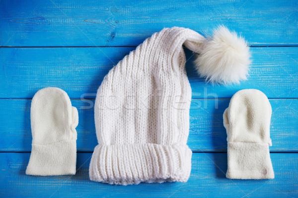 Tél ruházat kalap ujjatlan kesztyűk kék fából készült Stock fotó © saharosa