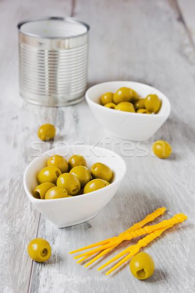 оливками белый кегли маринованный таблице избирательный подход Сток-фото © saharosa