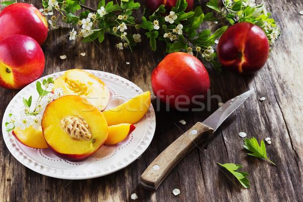 Dojrzały soczysty tablicy starych zdrowia Zdjęcia stock © saharosa