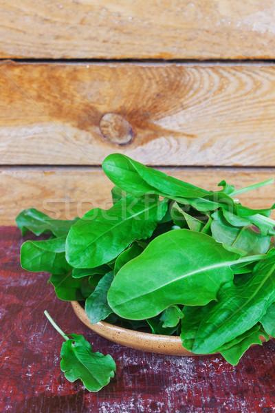 Bladeren vers plaat oude houten gezondheid Stockfoto © saharosa
