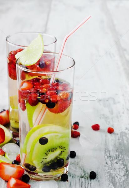 Hideg ital friss bogyók gyümölcs nyár Stock fotó © saharosa