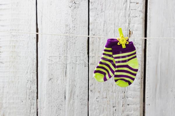 Gestreept sokken opknoping touw witte houten Stockfoto © saharosa