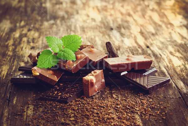 chocolate and mint leaves Stock photo © saharosa