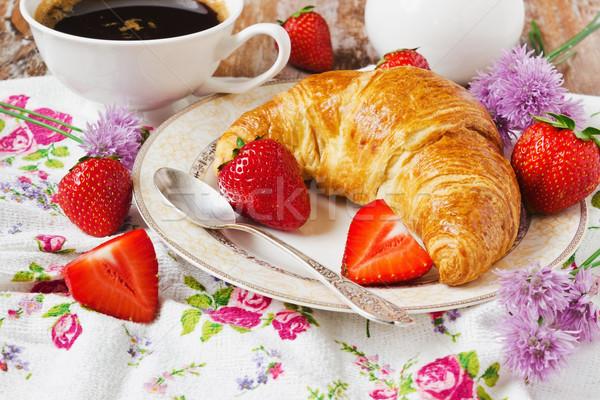 Hagyományos francia reggeli arany ropogós croissant Stock fotó © saharosa