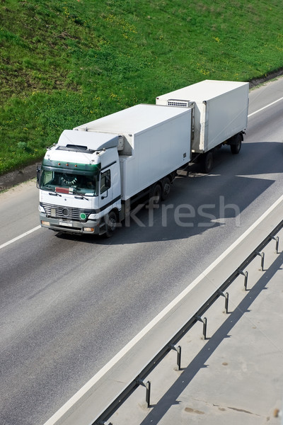 Vrachtwagen witte snelweg Rood snelheid vervoer Stockfoto © sailorr