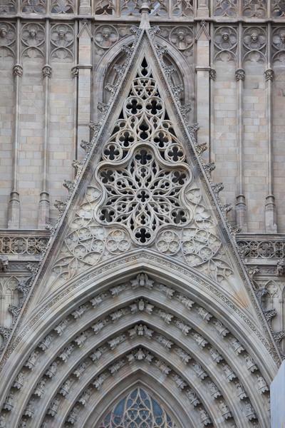 Gótikus katedrális Barcelona homlokzat részletek híres Stock fotó © sailorr