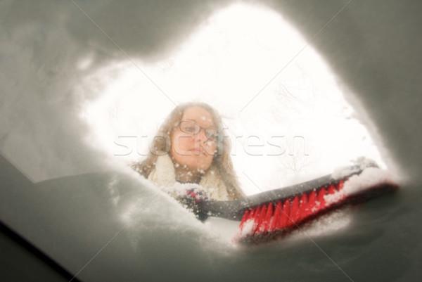 Hó szélvédő kilátás bent autó fiatal nő Stock fotó © saje