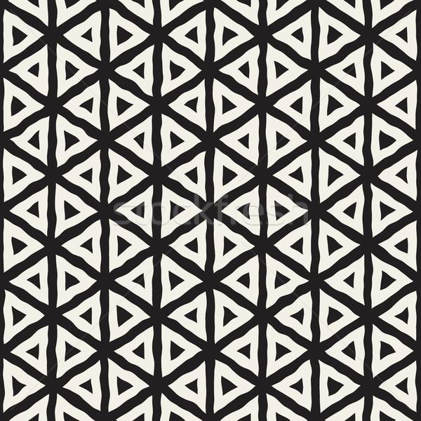 Vektor schwarz weiß Hand gezeichnet Dreieck Zeilen Stock foto © Samolevsky