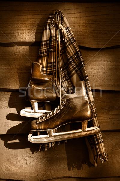 Edad hockey patines bufanda colgante pared Foto stock © Sandralise