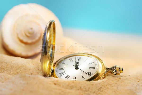 Oglądać stracił piasku za zegar Zdjęcia stock © Sandralise