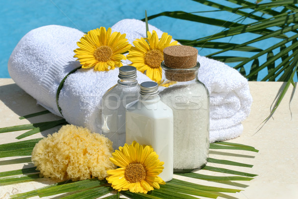 Spa produits serviettes piscine blanche eau Photo stock © Sandralise