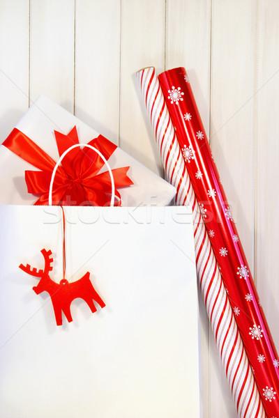 Photo stock: Cadeau · blanche · panier · papier · d'emballage · argent · papier