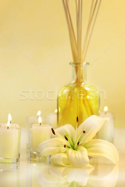 Perfumado velas lírio pálido saúde beleza Foto stock © Sandralise