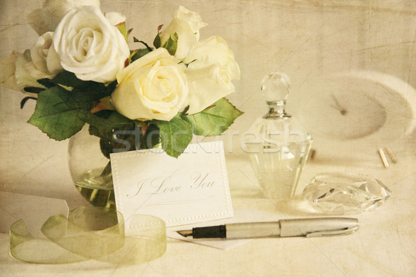 Love note with white roses and pen Stock photo © Sandralise