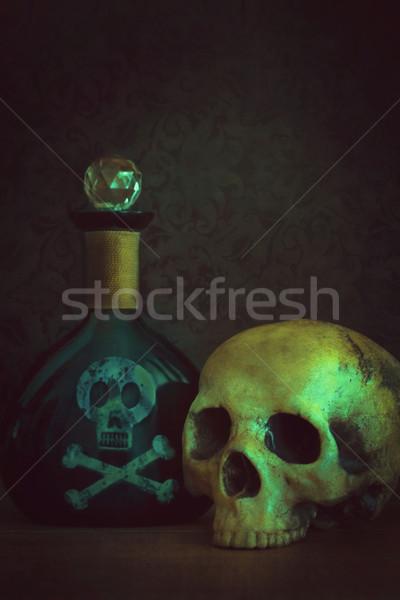 Kafatası zehir şişe tıbbi laboratuvar renk Stok fotoğraf © Sandralise