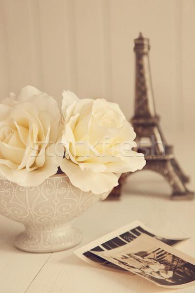 Antik rózsák öreg fotók asztal virág Stock fotó © Sandralise