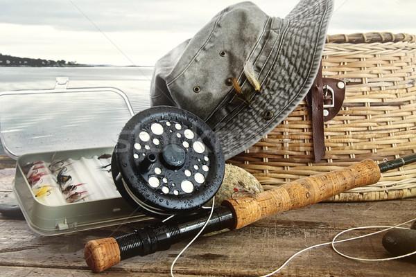 şapka uçmak balık tutma dişli tablo su Stok fotoğraf © Sandralise