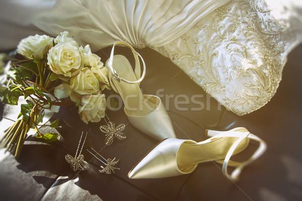 Сток-фото: свадьба · обувь · букет · роз · Председатель · белый