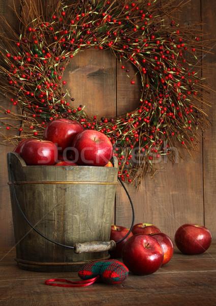 Hout emmer appels vakantie houten voedsel Stockfoto © Sandralise