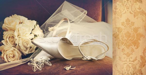 Düğün ayakkabı peçe kadife sandalye gelin Stok fotoğraf © Sandralise