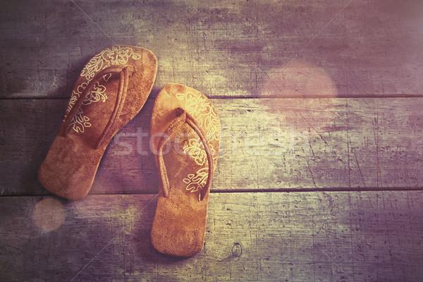 Pary plaży sandały drewna niebo moda Zdjęcia stock © Sandralise