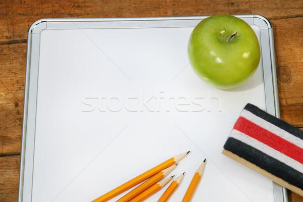 Pequeno memorando conselho escolas verde maçã Foto stock © Sandralise
