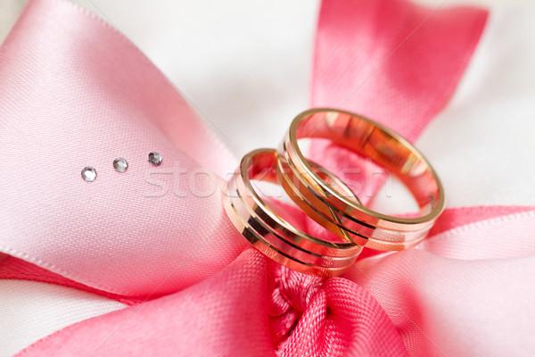 Anéis de casamento dois dourado arco macro tiro Foto stock © sapegina