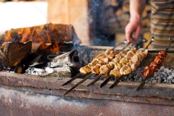 Kebab procede koken open vuur buitenshuis voedsel Stockfoto © sapegina