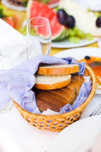 Ekmek plaka restoran tablo cam tatil Stok fotoğraf © sapegina