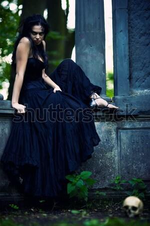 Zdjęcia stock: Młodych · piękna · demoniczny · kobiet