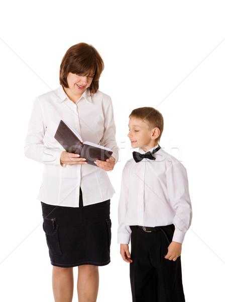 Moeder lezing boek zoon geïsoleerd witte Stockfoto © sapegina