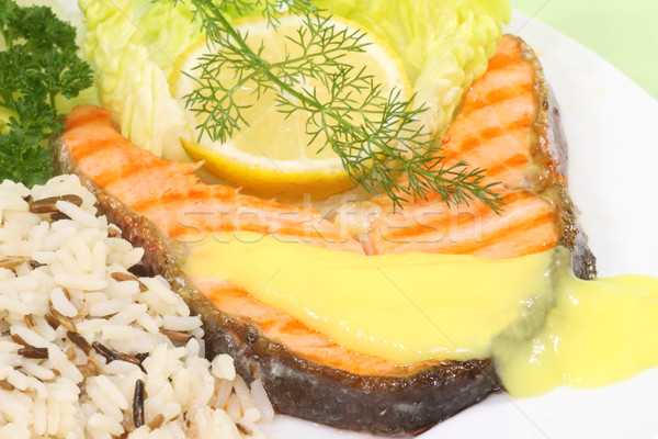 A la parrilla salmón trucha filete arroz limón Foto stock © Saphira