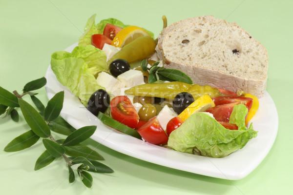 Salade olijven Grieks feta brood olijfolie Stockfoto © Saphira
