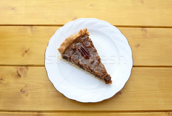 Porción tradicional pie blanco placa mesa de madera Foto stock © sarahdoow