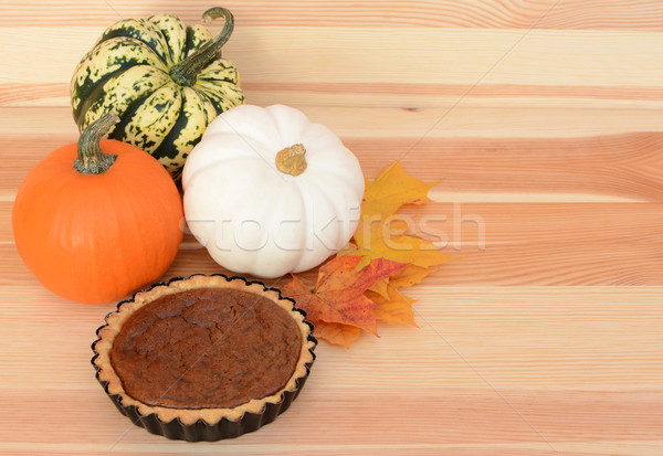 Stock photo: Fall pumpkins and leaves with pumpkin pie