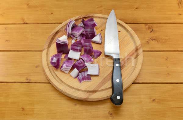 Aprított vöröshagyma kés vágódeszka éles konyha Stock fotó © sarahdoow