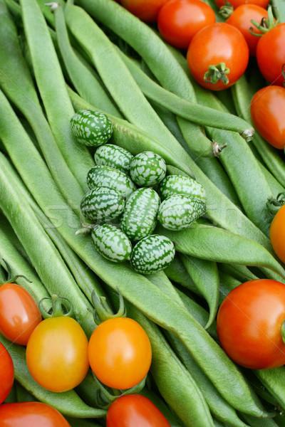 Foto stock: Verde · rojo · tomates · corredor · frijoles · cama