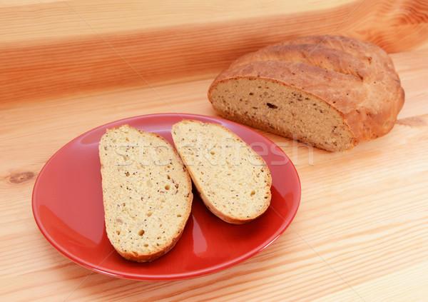Dois fatias pão vermelho prato pão Foto stock © sarahdoow