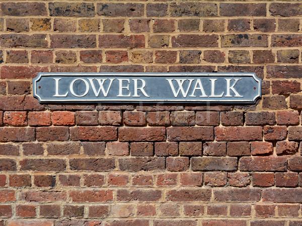 道路標識 レンガの壁 徒歩 歴史的 ロイヤル ストックフォト © sarahdoow