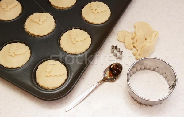 Piték zsemle konzervdoboz sütemény maradék teáskanál Stock fotó © sarahdoow